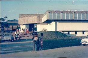 13---biblioteca-1974