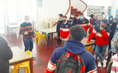 Visita de alumnos y profesores de 5° año de 1° y 2° división de la Escuela de Educación Secundaria N° 67 «Gral. Don Manuel Obligado»